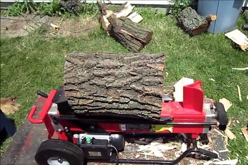 Using Powerhouse Hidraulic Log Splitter